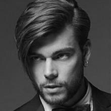 mittlerer Länge Frisuren für Männer mit glatten Haaren