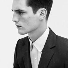 moderne 1940er Frisur auf Mann