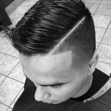 moderne Herren-Kamm über Frisuren
