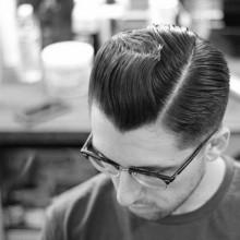 moderne Herren-Kamm über haircut für Männer