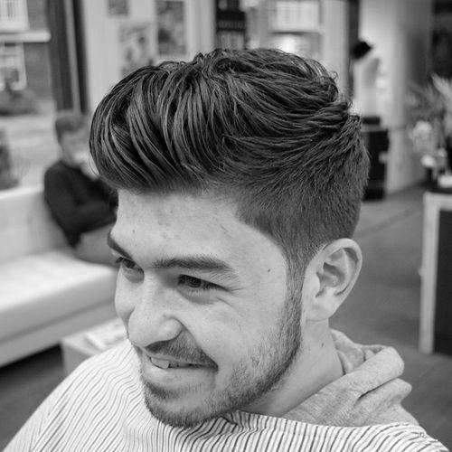 moderne tolle Frisuren für Jungs mit kurzen Länge an den ...