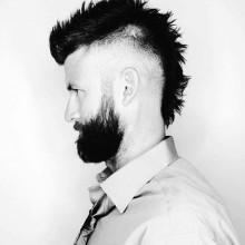 modernen faux hawk mohawk-fade Haarschnitt für Männer