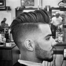 modernen trendigen pompadour Herren Haare mit niedrigen fade