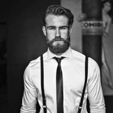 modische wavy curly Frisuren für Männer mittlerer Länge Haar