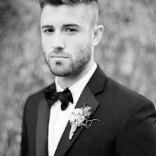rasierte Seiten faux hawk Herren-Haarschnitt