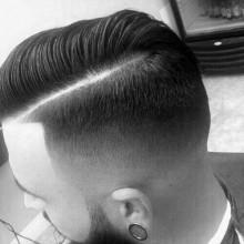 scharfen Haarschnitt Kamm über fade-Konus für Männer