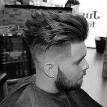 spiky medium Frisuren für Männer mit dünnem Haar
