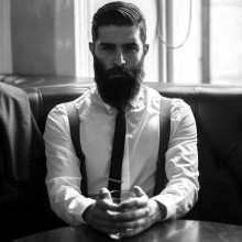 stilvollen Edel-männlichen Haarschnitte