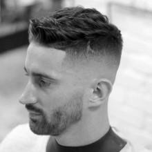 stilvollen Haarschnitt kurze fades für Männer