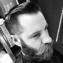 stilvollen Kegel verblasst Frisuren für Männer