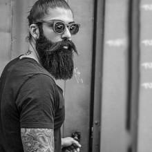 stilvollen männlichen samurai Haare Mann bun