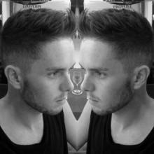 taper fade faux hawk-Frisur für Männer
