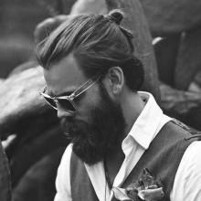 top knot männliche lange Frisuren für Runde Gesichter