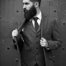 von mittlerer Länge, professionelle Frisuren