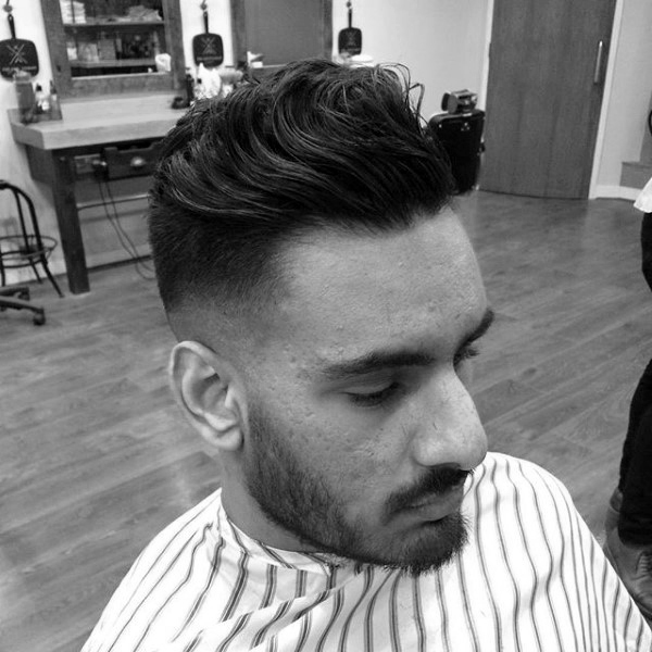Wavy Medium Length Quiff Mens Skin Fade Haircut Kunstop De