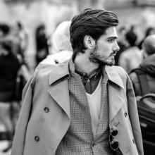 wellige Frisuren für Männer mit mittlerer Länge Haar