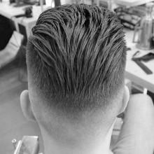 zurückgekämmt Jungs lange Haare