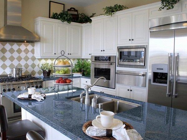 Blue pearl Granit Arbeitsplatte Küche weiß Schränke Küche Insel ...