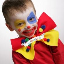 Clown make-up-Ideen für Kinder, bunte Augen, große Bogen -