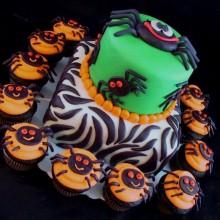 Coole Halloween-Kuchen-Dekoration-Spinne halloween-Kuchen halloween-cupcakes