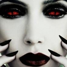 DIY Vampir make-up Ideen, halloween make-up how to make Smokey eyes