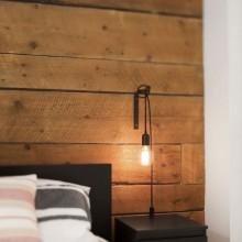 Erdgeschoss-Wohnung Renovierung Bürgerlichen Lechasseur Architekten-Schlafzimmer-design-Holz-Mauer im industriellen Stil Nachttisch t