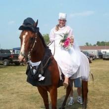 - Halloween-Kostüme für Pferd und Reiter, Braut, Bräutigam