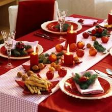 Rustikale Weihnachts-Tabelle-Dekor-Ideen-weiß-roten Schleife Tischläufer