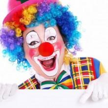 Süßes clown make-up Ideen, Halloween makeup Ideen, roten clown-Nase, bunter Perücke