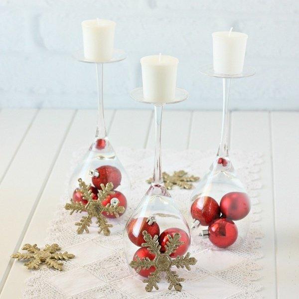 Weihnachts Tisch Deko Ideen Elegante Herzstück Brille Rot Ornamente  Schneeflocken