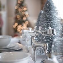 Weihnachts-Tisch-Deko-Ideen in gold-Akzenten Blume Herzstück