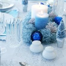 besten Weihnachts-Tisch-Deko-Ideen-Silber-blauen Farben der Servietten Tischdecke Ornamente