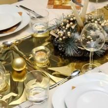 besten Weihnachts Tischdekoration rot weiß Kerzen Glas vase Herzstück Ornamente immergrüne Zweige