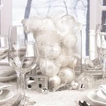 elegante Weihnachten-Tabelle-Dekor-Ideen rot weiß Tischdekoration Falten Akzente Kerzen Servietten