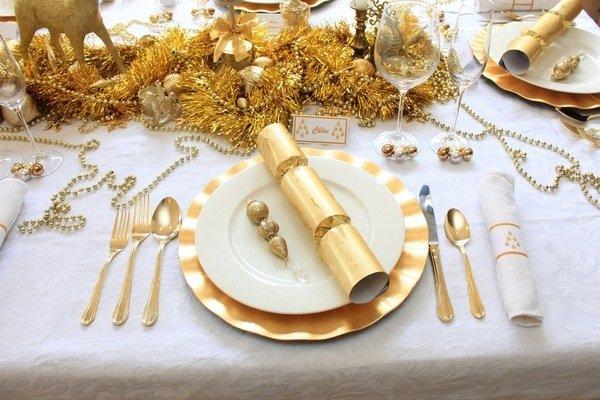 Erstaunlich Weihnachten Tisch Dekoration Gold Weiss Farbe Thema