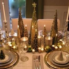 fantastische Weihnachts-Tabelle-Dekor-Ideen silbernen Akzenten Tischkarten Schneeflocken