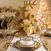 gold Weihnachten Tisch Deko Ideen festliche Tischdekoration-Kerzen-Geschirr-Akzente