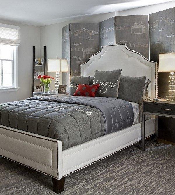 Graue schlafzimmer rotem akzent trend im schlafzimmer for Schlafzimmer malen