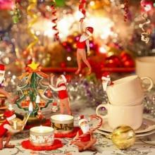 luxuriöses Geschirr festlichen Weihnachts-Tisch-Deko-Ideen gold white