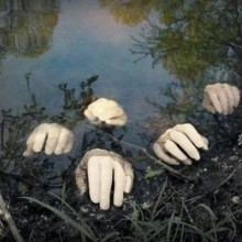 scary Halloween-Deko-Ideen Garten Dekoration zur falschen Hände