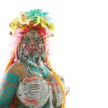 elaine-davidson-die-frau-mit-den-meisten-piercings-halloween-ideen-36