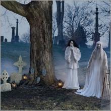 halloween-deko-ideen-halloween-requisiten-geister-friedhof