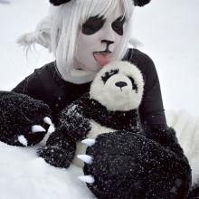 halloween-kostuem-weibliche-panda-schwarz-weiss-gefuellt-8