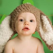 Oster-Kostüme für Kleinkinder Ideen hat Hasenohren