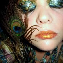 pfauenfeder-farbe-make-up-nicht-scary-halloween-18