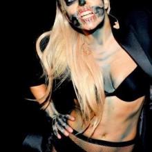 prominente-halloween-kostueme-und-make-up-lady-gaga