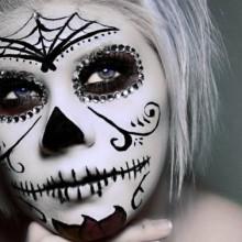 zucker-schaedel-halloween-make-up-ideen-frauen-3