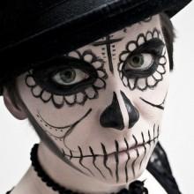 zucker-schaedel-make-up-ideen-halloween-make-up-frauen-2