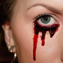 einfaches-halloween-make-up-ideen-maenner-frauen-diy-halloween-make-up-kunstblut