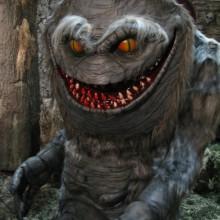 gruselig-monster-halloween-prop-scary-halloween-deko-ideen